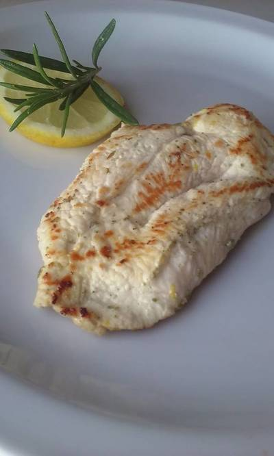 Bifes de pollo diet al romero y limón