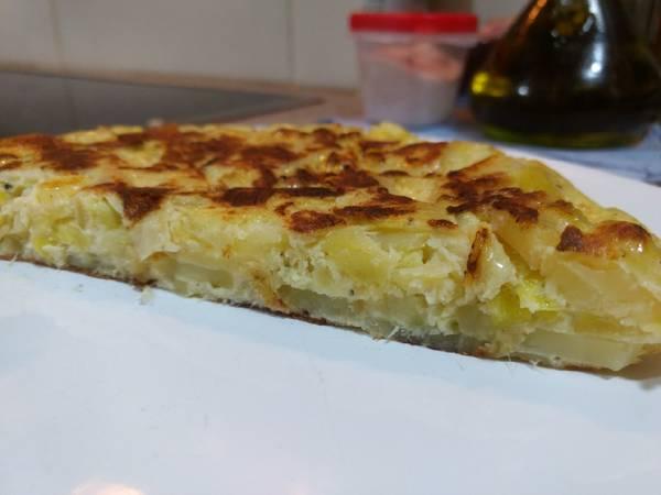 Tortilla de patatas con puerro. Sin freír