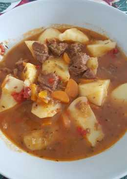 Guiso de carne de ternera con patatas
