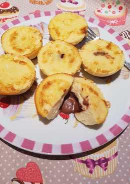 Pastelitos de quesada rellenos de bombon