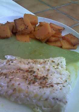 Merluza con calabaza a lo pobre y salsa de verduras al cilantro