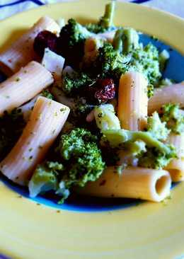 Pasta con brócoli y ajo