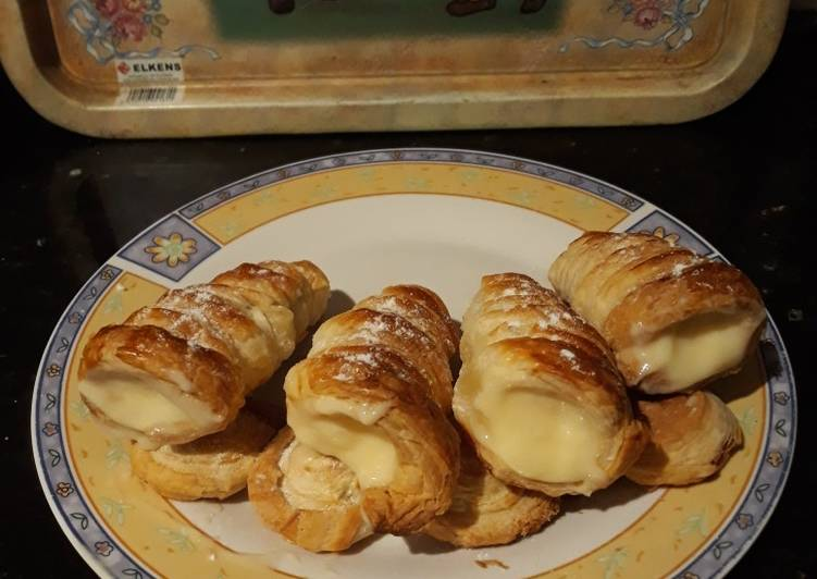 Barquillos con crema pastelera express Receta de Mari Carmen