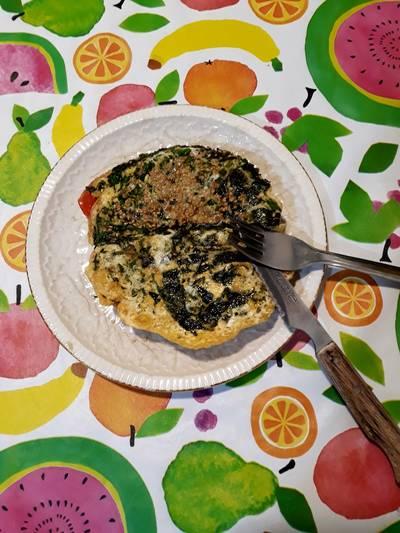 Tortilla de kale con alga nori y semillas de lino dorado