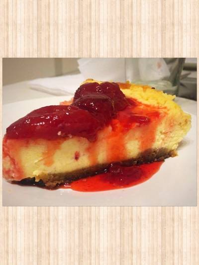 New York Cheesecake riquísima! Con Coulis de frutillas!