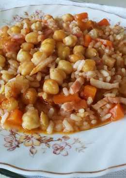 "Garbanzos con arroz (o arroz con garbanzos) al ""batiburrillo"""
