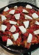 Pomodoro con mozzarella e origano
