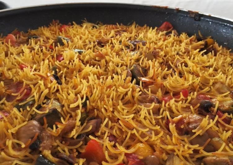 Fideu de verduras con socarrat receta de el tomate tranquilo cookpad - Youtube fideua de marisco ...