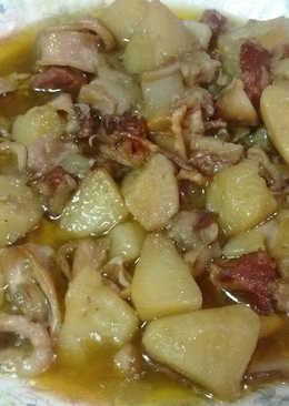 Chipirones con Ibéricos y patatas en salsa
