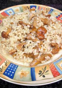 Risottode arroz integral con rebozuelos y queso crema