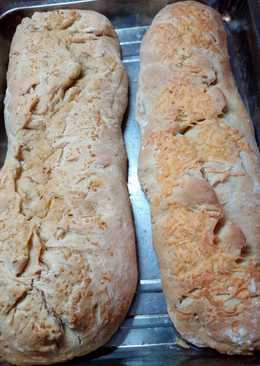 Pan casero de ajo y queso