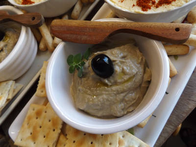 Baba ganoush, crema de berenjena con tahini