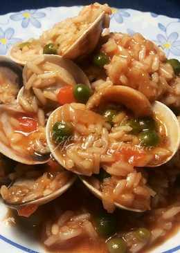 Wok de arroz basmati con almejas y sepias en salsa de soja