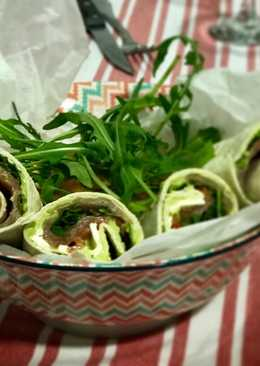 Wraps de salmón, guacamole y rucula
