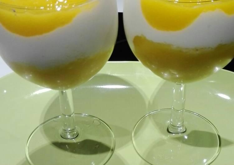 Postre light de mango y queso batido