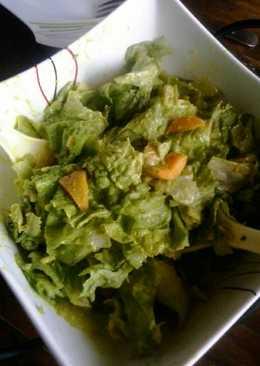Ensalada de lechuga y duraznos con mayonesa de aguacate (palta)
