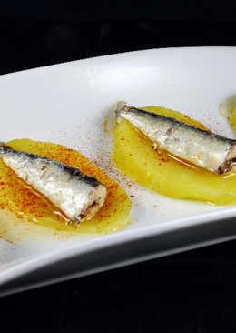 Sardinillas en conserva, patata y pimentón