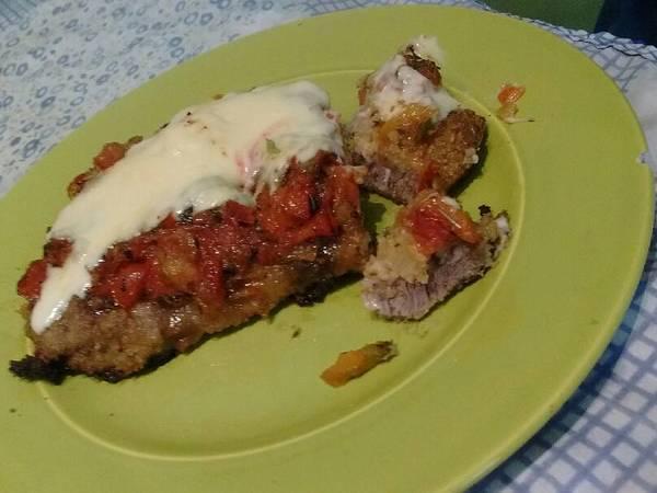 Milanesas de carne napolitana