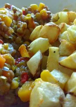 Guiso de lentejas vegano y papas crocantes