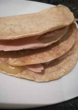 Cena, Quesadillas con tortilla de maíz