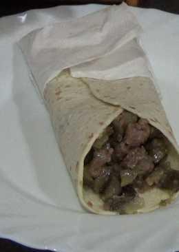 Taco de ternera con berenjena y salsa alkale