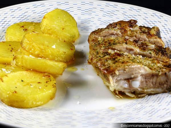 Costilla de cerdo al horno con patatas
