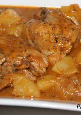 Muslos de pollo rellenos de pesto a la genovesa en salsa