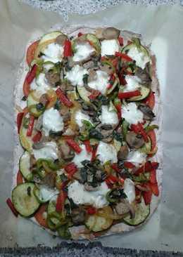 Pizza vegetal con masa sin gluten
