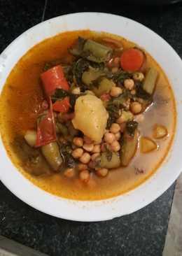 Potaje de verduras con hierbas aromáticas en la olla GM g