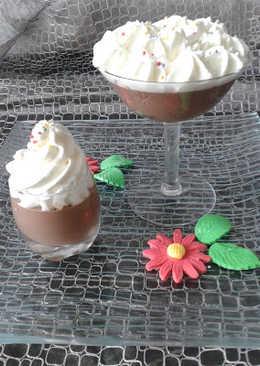 Cuajadas de chocolate con nata