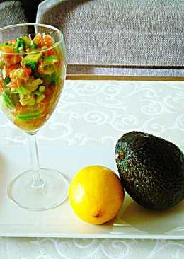 Tapasraw-Copas con guacamole en trocitos