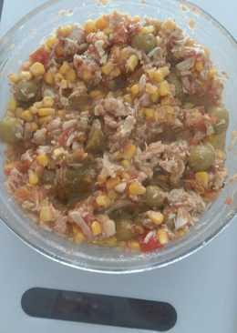 Ensalada con fritada y pollo