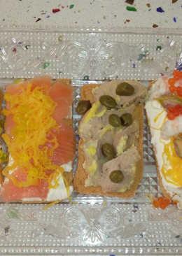 mini tostas variadas