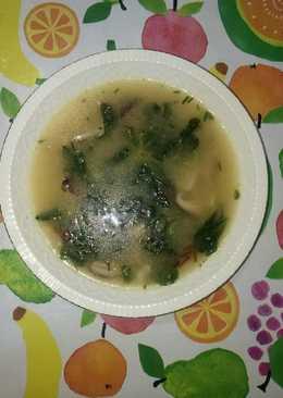Sopa de shiitake y canónigos