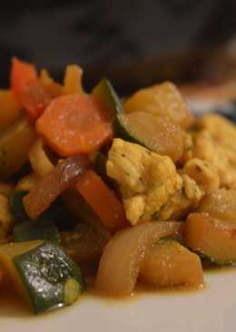 Wok de verduras con pollo al curry