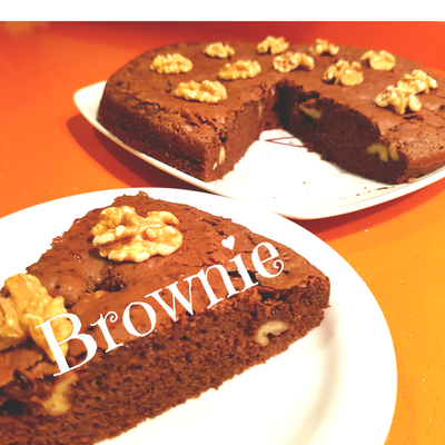 Exquisito Brownie casero con nueces