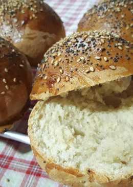 Pan de hamburguesa con semillas de sésamo y amapola