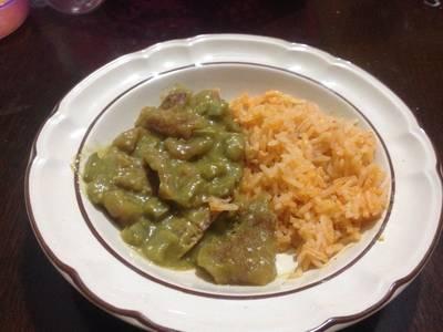 Chicharrón en salsa verde con nopales