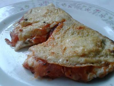 Omelette sabor pizza