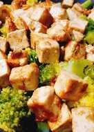 Tofu con Verduras y Fideos Soba