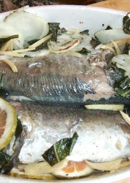 Jureles al horno con cebolla, albahaca y jengibre fresco