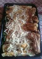 Canelones de espinaca y salsa roja con de pollo