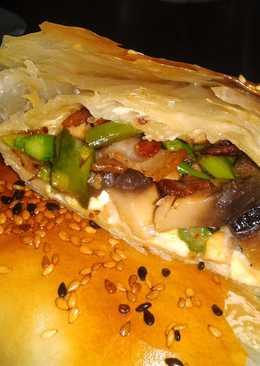 Rollitos de champiñones, espárragos trigueros y queso