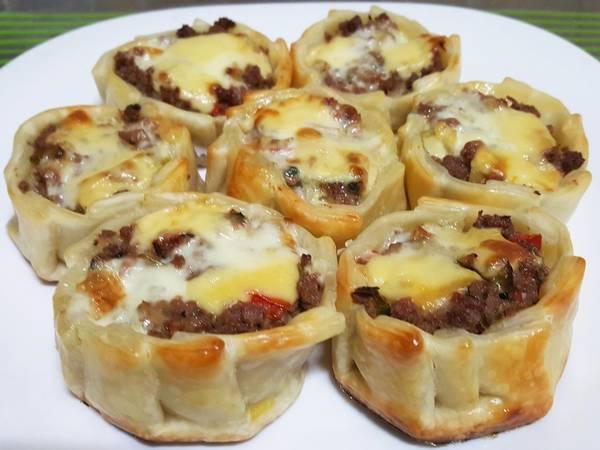 Canastitas de carne y queso
