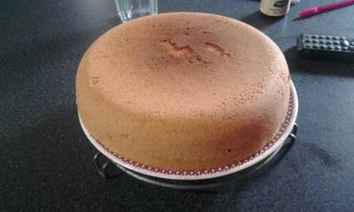 Torta esponjosa con sólo tres ingredientes esenciales