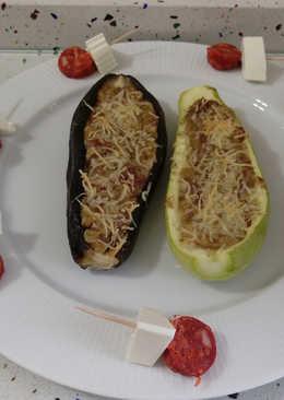 Berenjenas y calabacines rellenos de carne y pinchos de chorizo picante
