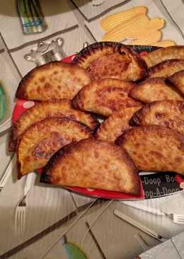 Empanadillas de atún queso y tomate