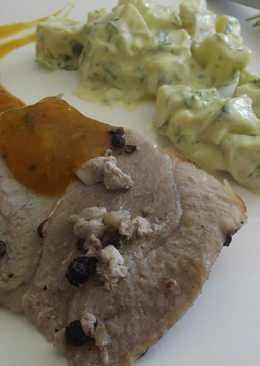Pierna de cerdo a las tres pimientas con cully de calabaza de castilla o zapallo y ensalada de chayote con huauzontle