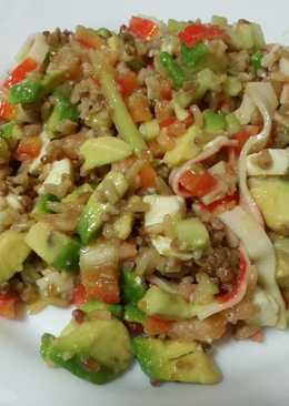 Ensalada de arroz integral y quinoa