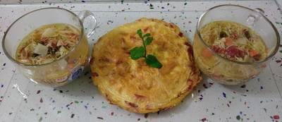 Tortilla de jamón y sopa de verduras